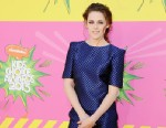 PHOTO: Actress Kristen Stewart arrives at Nickelodeons 26th Annual Kids Choice Awards, March 23, 2013 in Los Angeles, Calif.