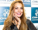 PHOTO: Lindsay Lohan attends the inauguration of the John John store at Oscar Freire Street on March 29, 2013 in Sao Paulo, Brazil.