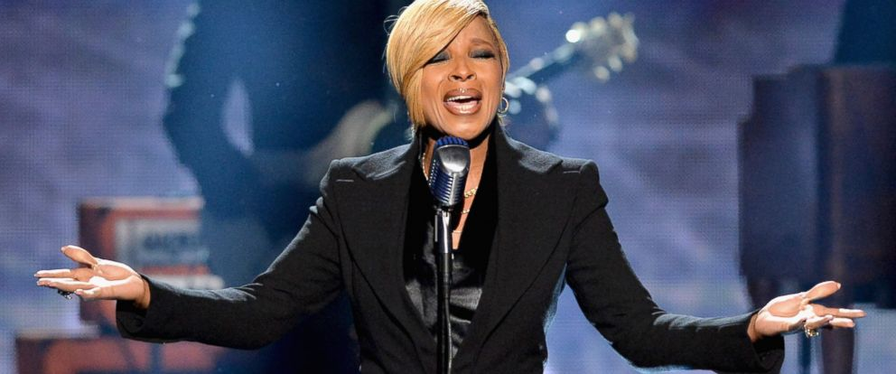 PHOTO: Singer Mary J. Blige performs onstage at the 2014 American Music Awards at Nokia Theatre L.A. Live in Los Angeles, Nov. 23., 2014.