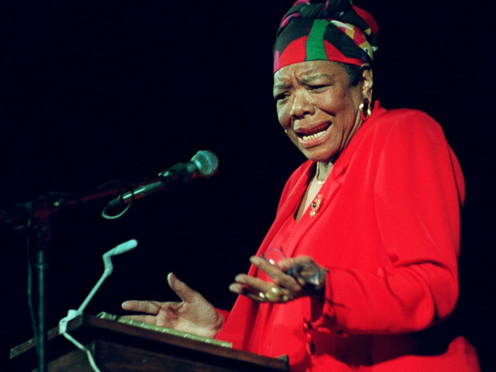 PHOTO: Dr. Maya Angelou delivers poetry to an audience of Tufts University students at the Somerville Theatre in this April 28, 1997 file photo.