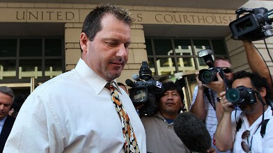 PHOTO: Baseball pitching star Roger Clemens walks out of the U.S. District Court after his arraignment, August 30, 2010 in Washington, DC.
