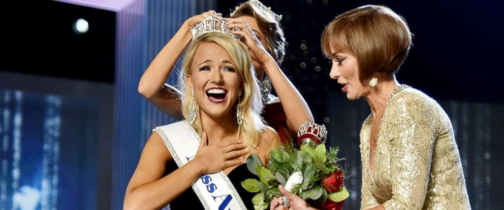 PHOTO: Miss America 2017 Savvy Shields and Chairman of the Board at Miss America Organization, Lynn Weidner appear onstage during the 2017 Miss America Competition at Boardwalk Hall Arena on Sept. 11, 2016 in Atlantic City, New Jersey.