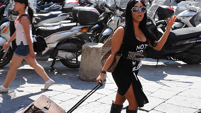 """PHOTO: Nicole Polizzi of the reality TV show """"Jersey Shore"""" is seen shopping, May 25, 2011 in Florence, Italy."""