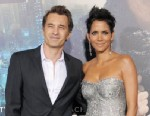 "PHOTO: Olivier Martinez and Actress Halle Berry arrive at the Los Angeles premiere of ""Cloud Atlas"" at Graumans Chinese Theatre on Oct. 24, 2012 in Hollywood, Calif."
