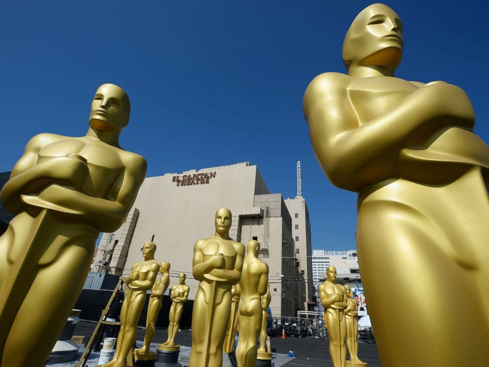 PHOTO: Oscar statues are seen near the red carpet as preparations are underway for the 87th annual Academy Awards, Feb. 18, 2015 in Hollywood, Calif.