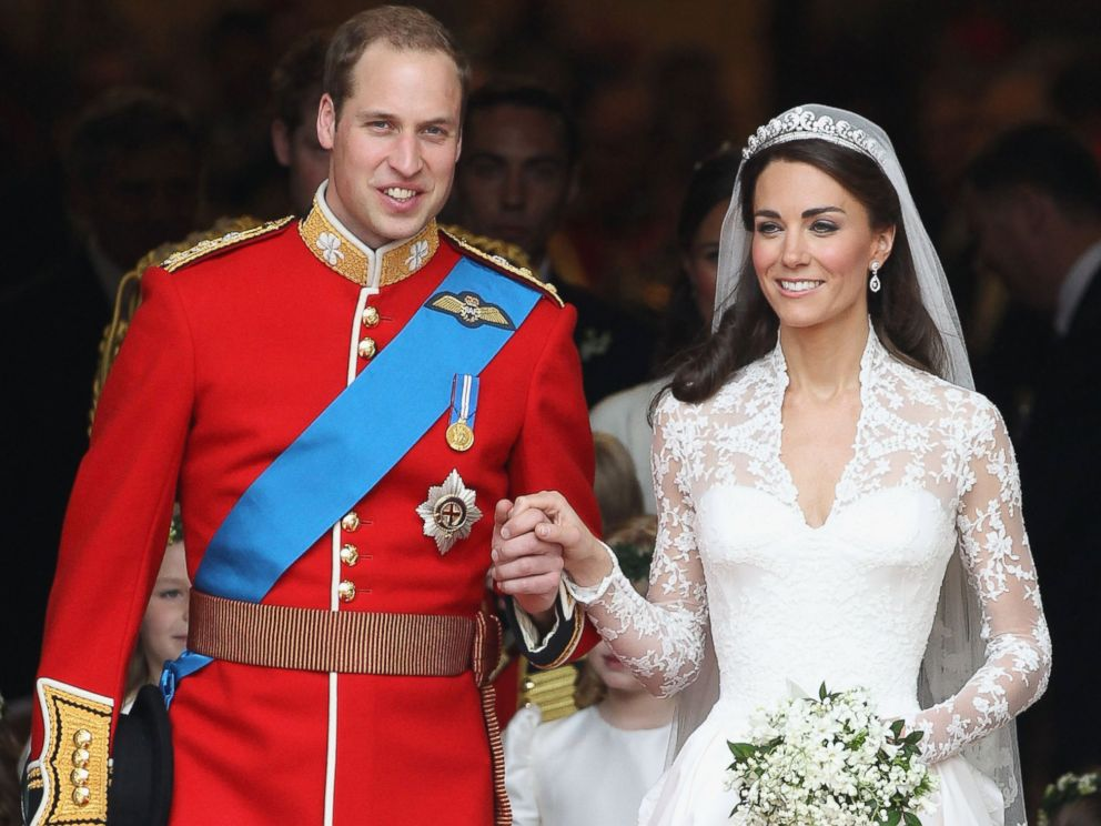 PHOTO: Prince William, Duke of Cambridge and Catherine, Duchess of Cambridge smile following their marriage at Westminster Abbey on April 29, 2011 in London.