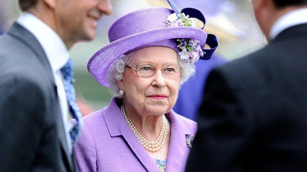 PHOTO: Queen Elizabeth II