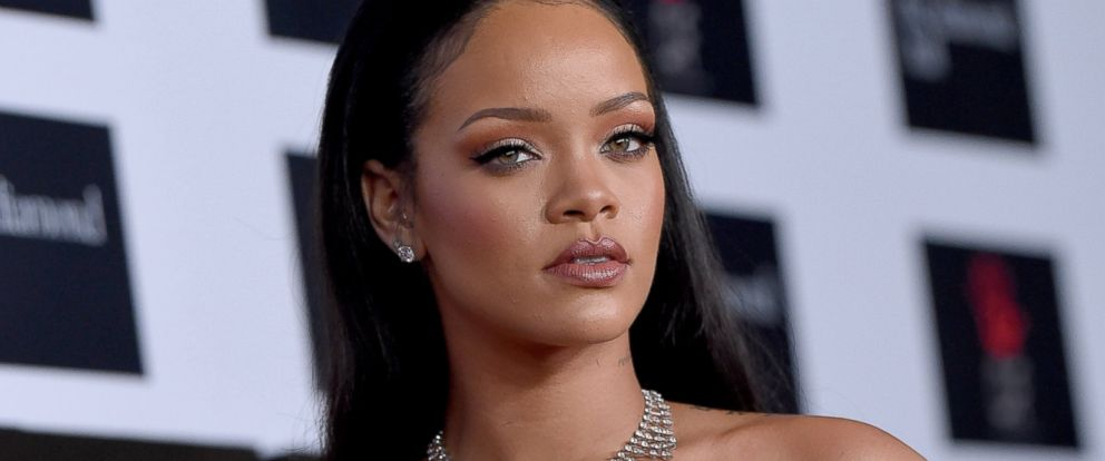 PHOTO: Rihanna arrives at an event at The Barker Hanger on Dec. 10, 2015 in Santa Monica, Calif.