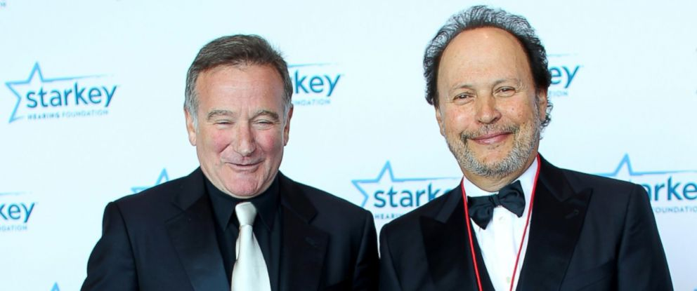 PHOTO: Robin Williams and Billy Crystal walk the red carpet before a gala on August 4, 2012 in St. Paul, Minnesota.