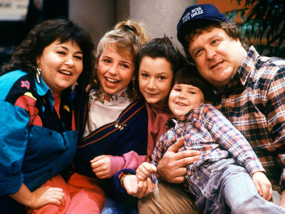 PHOTO: Roseanne Barr, Lecy Goranson, Sara Gilbert, Michael Fishman and John Goodman are seen in this Dec. 6, 1988 still from Roseanne.