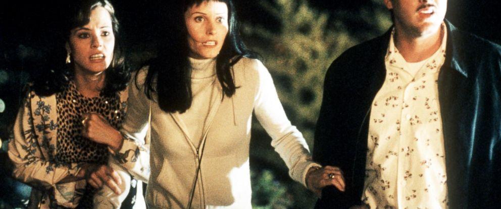 "PHOTO:Parker Posey, Courteney Cox Arquette and David Arquette in Wes Cravens ""Scream 3."""