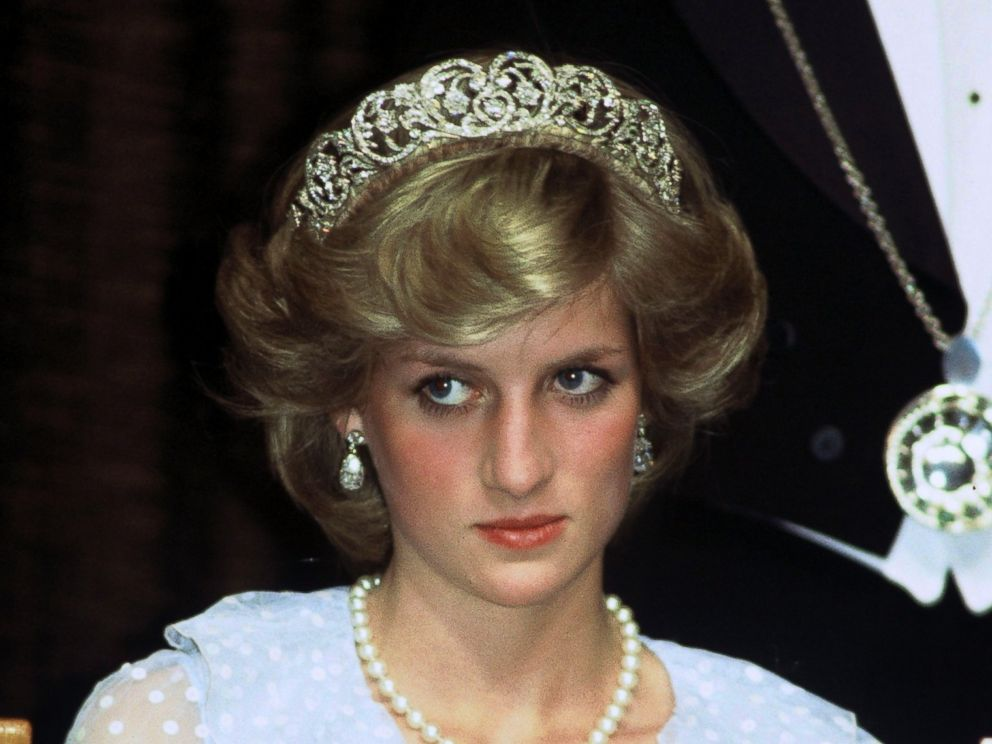 PHOTO: Diana Princess of Wales attends a banquet on April 20, 1983 in New Zealand.