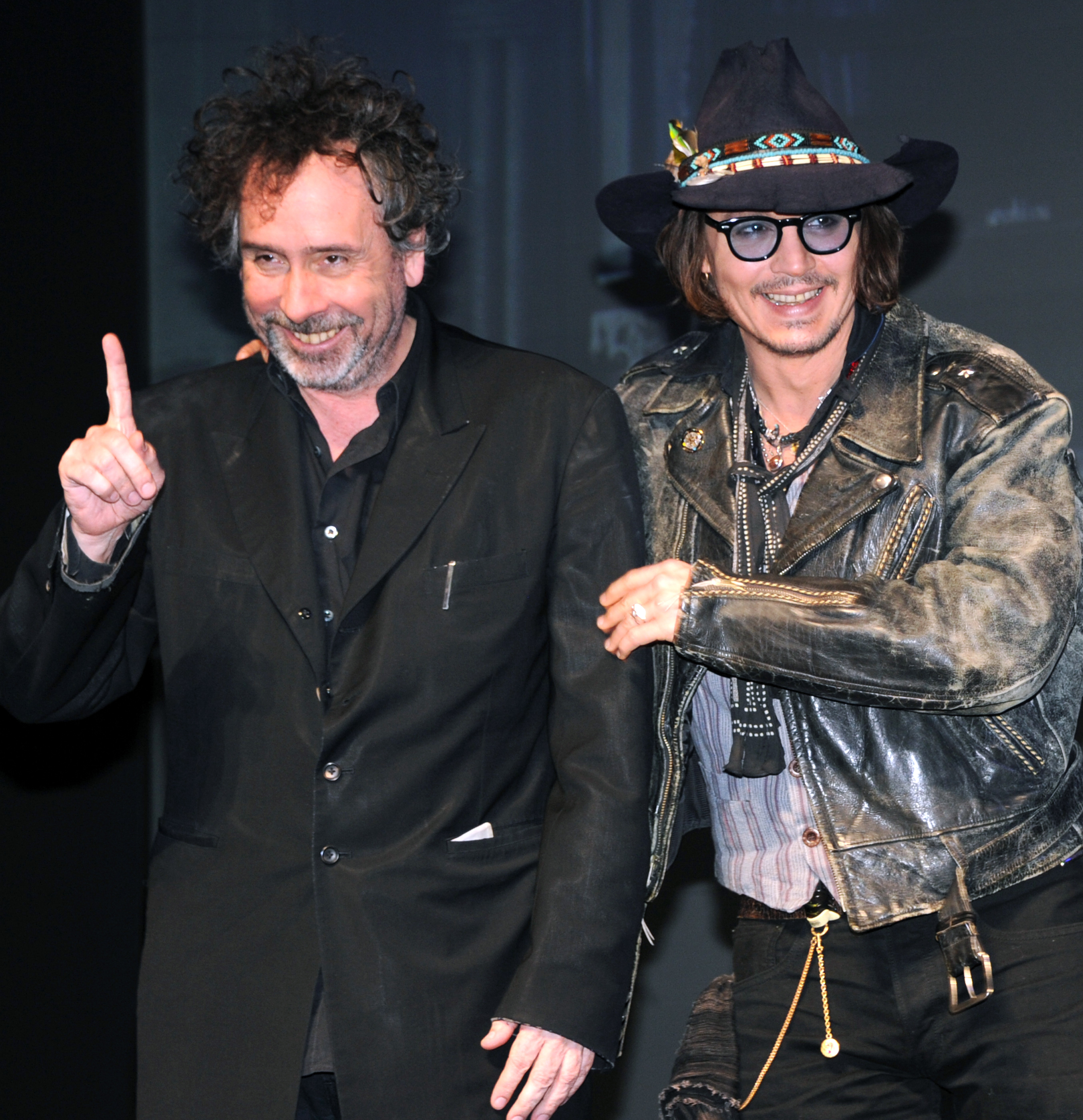 """PHOTO:Johnny Depp and film director Tim Burton pose during a photo session at the press conference on his latest movie, """"Dark Shadow"""" in Tokyo on May 13, 2012."""