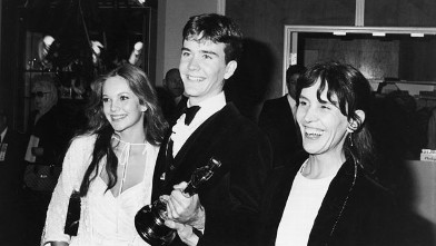 PHOTO: American actor Timothy Hutton holds his Best Supporting Actor Oscar statuette while posing with his girlfriend, actor Diane Lane, and his mother, Maryline, at the Academy Awards, Los Angeles, California on March 31, 1981. Hutton won for his role in