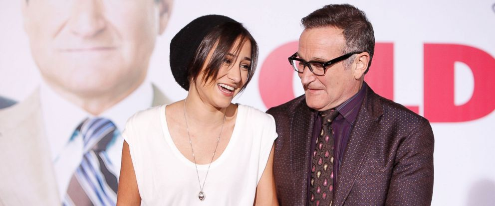PHOTO: Zelda Williams and Robin Williams arrive to the Los Angeles premiere of Old Dogs held at the El Capitan Theatre on November 9, 2009 in Hollywood, Calif.