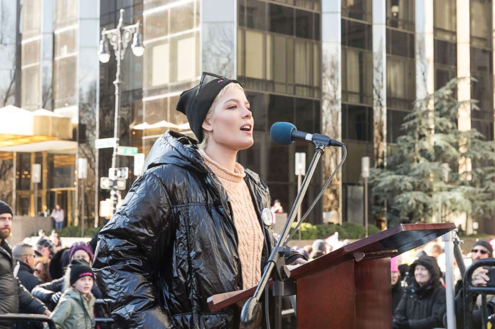 PHOTO: Halsey speaks at womens march in New York at Central Park West, Jan. 20, 2018.