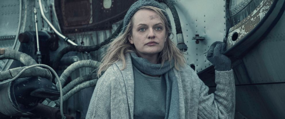 "PHOTO: Elisabeth Moss is seen in ""The Handmaids Tale."""