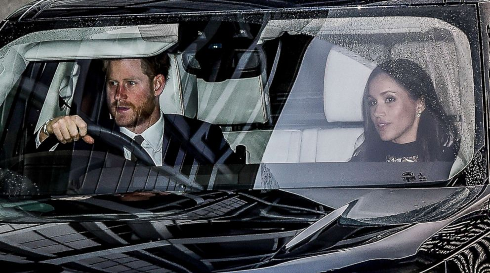 PHOTO:Prince Harry and Meghan Markle leave Kensington Palace for the Royal Christmas lunch at Buckingham Palace, London, Dec. 20, 2017.