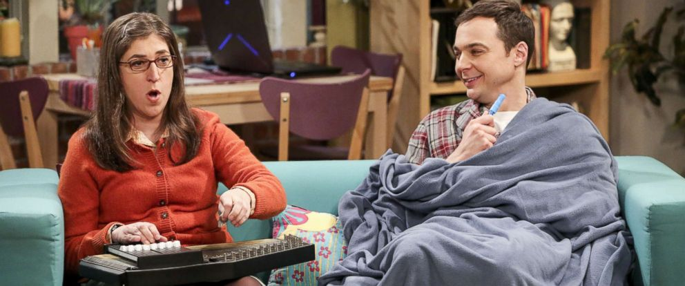 """PHOTO: Mayim Bialik and Jim Parsons appear on an episode of """"The Big Bang Theory,"""" that aired on April 6, 2017."""