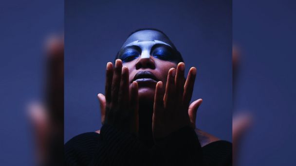 "PHOTO: MeShell Ndegeocellos ""Comet Come to Me"""
