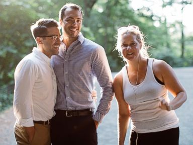 Amy Schumer Crashes an Engagement Photo Shoot