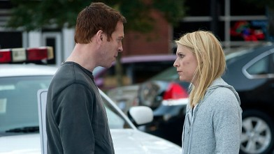 """PHOTO: Damien Lewis as Nicholas """"Nick"""" Brody and Claire Danes as Carrie Mathison in the season finale of """"Homeland."""""""