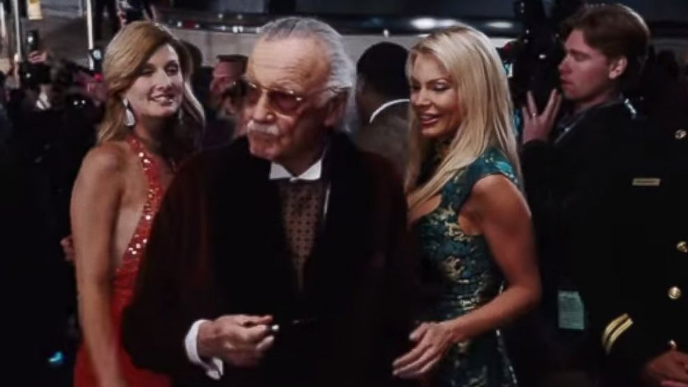 Stan Lee makes a cameo appearance in 'Iron Man'.