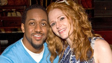"PHOTO: Actor Jaleel White and actress Leyna Weber pose at the New Web Series ""Road to the Alter"" - On Set Photo Op at Pier 1 Imports on March 20, 2009 in Hollywood, California."