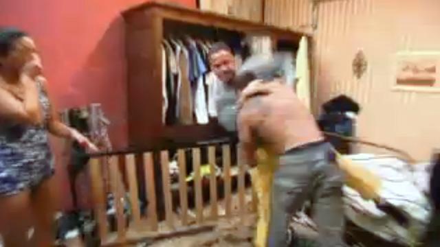 PHOTO: Ronnie vs Mike