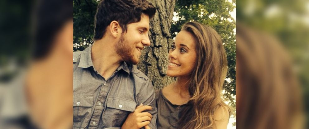 19 kids and counting star jessa duggar reveals wedding date to ben photo jessa duggar and ben seewald of tlcs 19 kids and counting are freerunsca Image collections