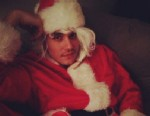 """PHOTO: Katy Perry tweeted this image of John Mayer with caption, """"Santa Baby,"""" Dec. 26, 2012."""