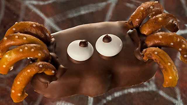 PHOTO: Reese's peanut butter pumpkin spiders are shown here.