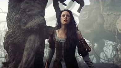 PHOTO: Kristen Stewart in Snow White and the Huntsman.