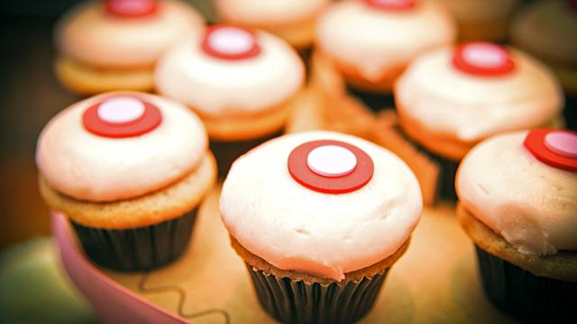 sprinkles strawberry cupcakes