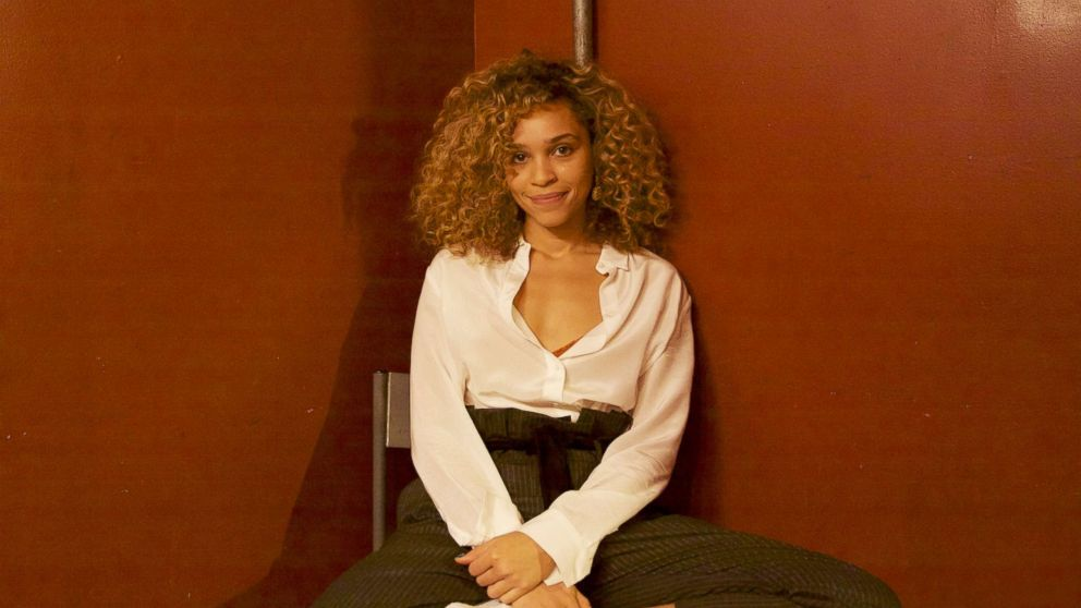 British songstress Izzy Bizu, who's toured with Coldplay and Sam Smith, spoke to ABC News about her music career, how she was discovered and what advice she's received.