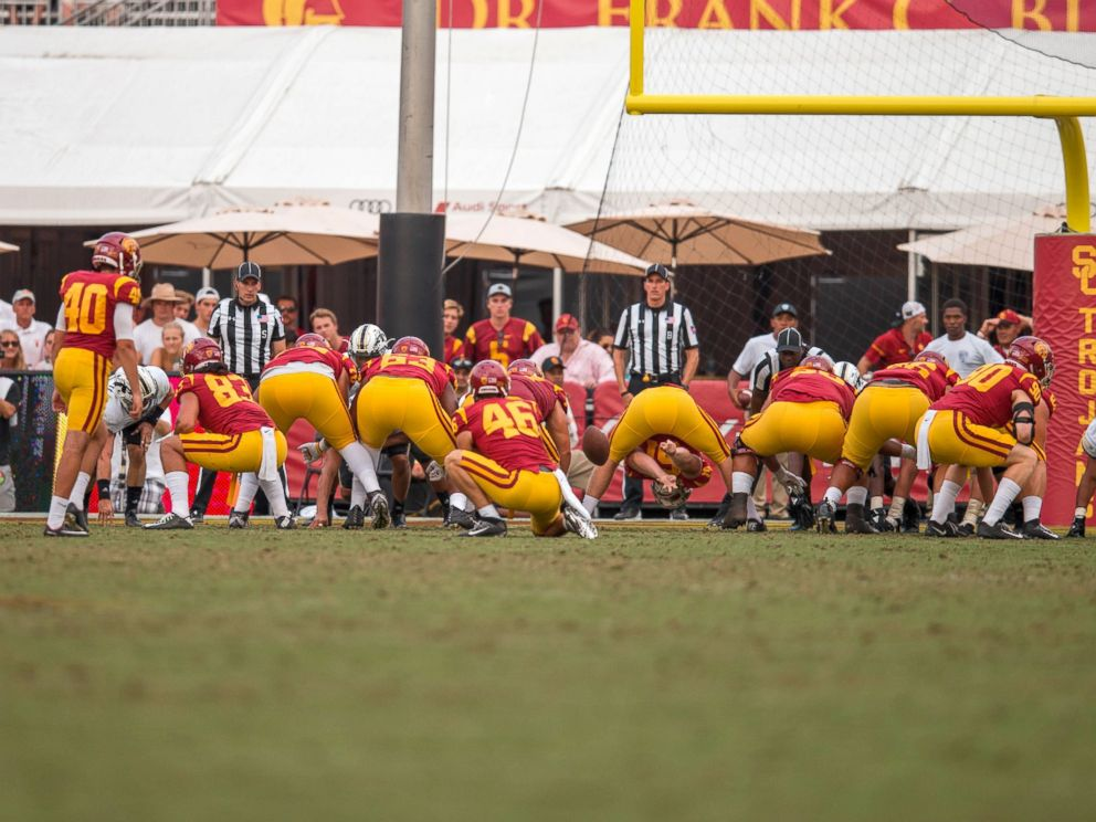 PHOTO: USC long snapper Jake Olson, who has been blind since the age of 12, snaps an extra point attempt.