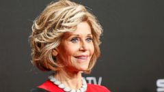 'PHOTO: Jane Fonda through the years' from the web at 'https://s.abcnews.com/images/Entertainment/jane-fonda-tty-2017-gty-jef-171219_1_16x9t_240.jpg'