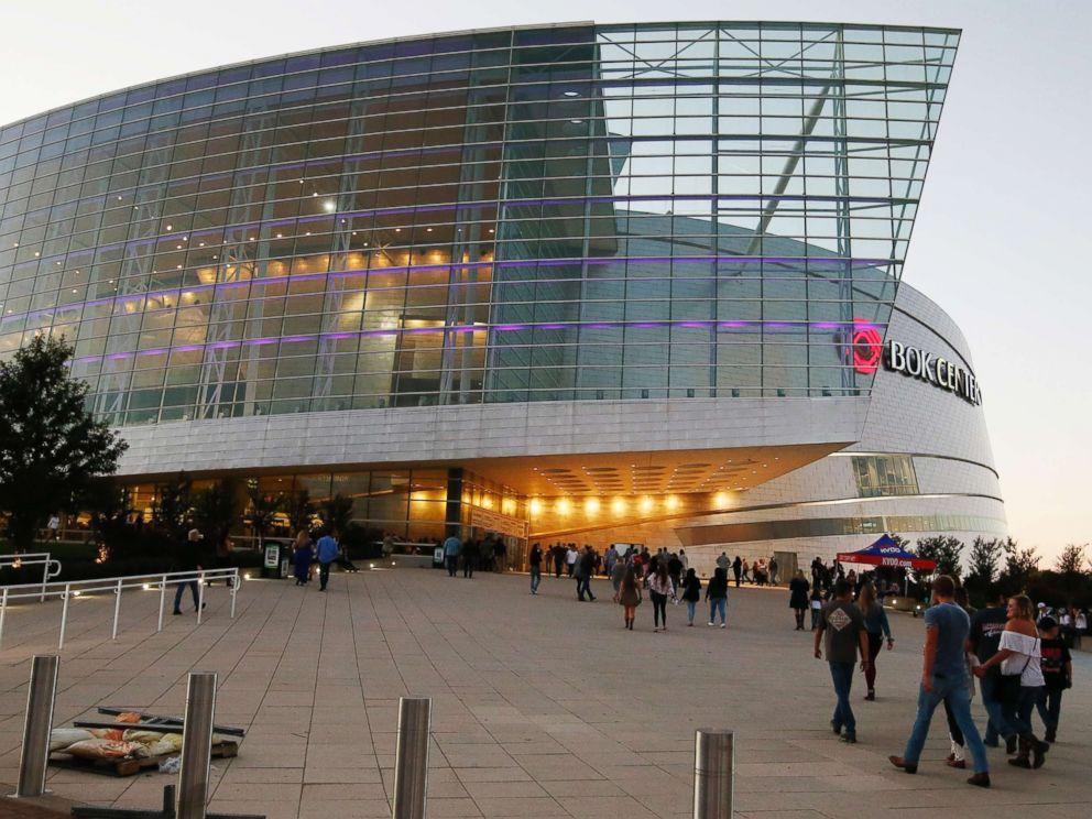 PHOTO: People stream into the BOK Center for the country star Jason Aldean concert in Tulsa, Okla., Thursday, Oct. 12, 2017.