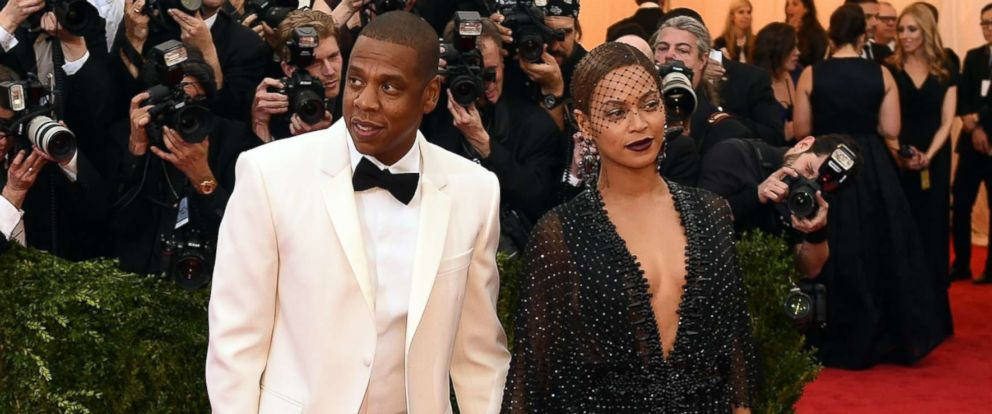 PHOTO: Jay-Z and Beyonce arrive at the Costume Institute Benefit at The Metropolitan Museum of Art May 5, 2014, in New York City.