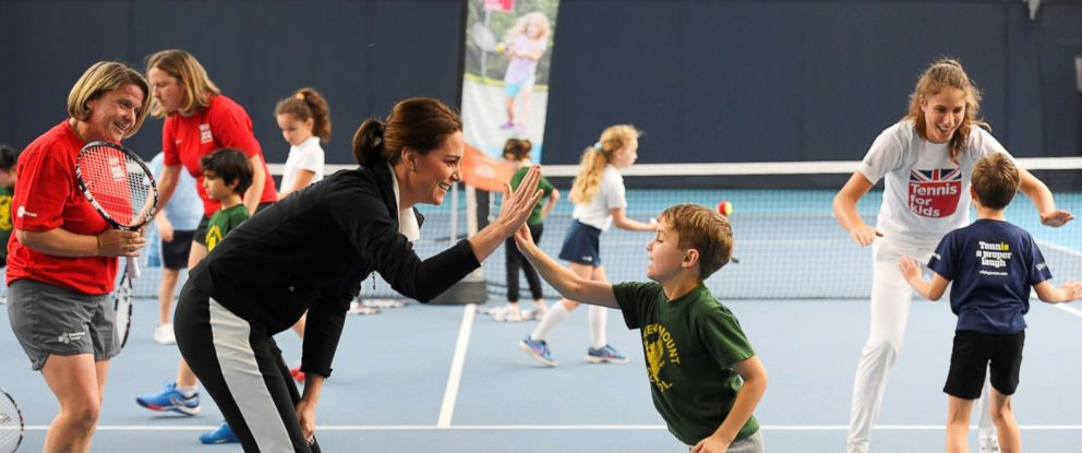 PHOTO: Catherine, Duchess of Cambridge joins Johanna Konta during a visit to the Lawn Tennis Association in London, Oct. 31, 2017.