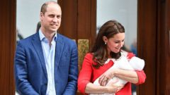 PHOTO: Prince William and Catherine Duchess of Cambridge leave the hospital with their newborn baby boy at the Lindo Wing, St Marys Hospital, London, April 23, 2018.