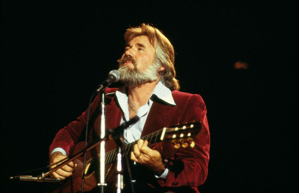 PHOTO: Kenny Rogers performs on stage circa 1978.