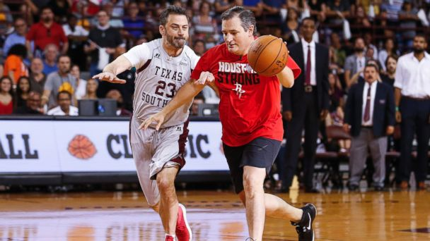 Jimmy Kimmel, Ted Cruz sweat their way to bad basketball glory in Blobfish Classic