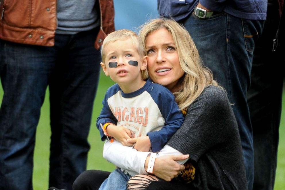 Jay Cutler's wife Kristin Cavallari believes 'he's done' despite offers