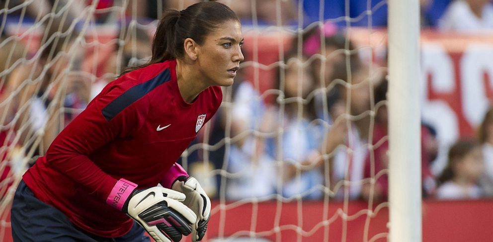 PHOTO: Hope Solo in goal