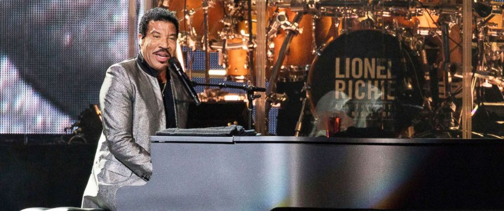 "PHOTO: Lionel Richie during ""All The Hits"" tour on Aug. 26, 2017, in Chicago, Ill."