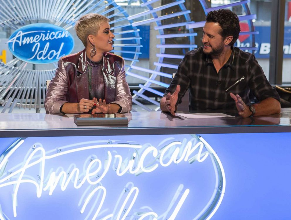 PHOTO: Katy Perry and Luke Bryan on the set of American Idol, March 6, 2018.