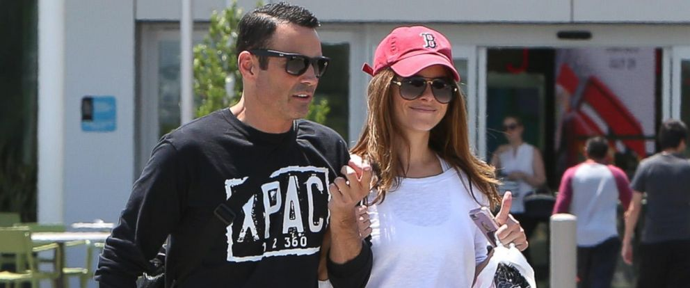 PHOTO: Maria Menounos and finance Keven Undergaro walk outside a shopping mall in Los Angeles, July 12, 2017.