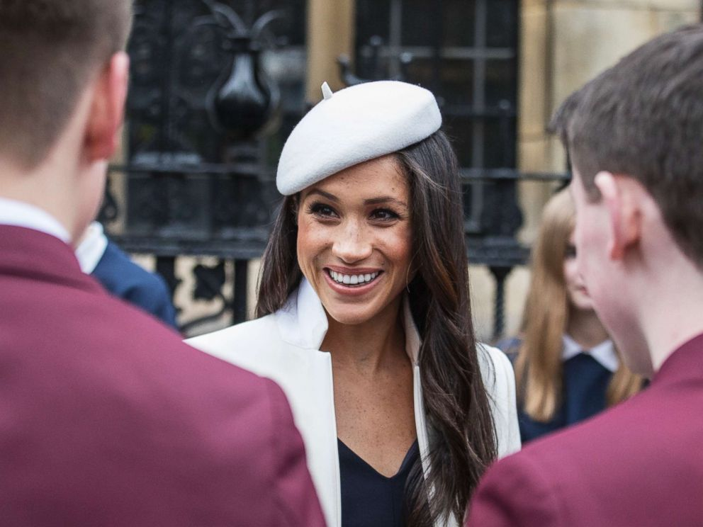 PHOTO: Meghan Markle meets well-wishers in the Deans yard, after the Commonwealth Service at Westminster Abbey in London, March 12, 2018.