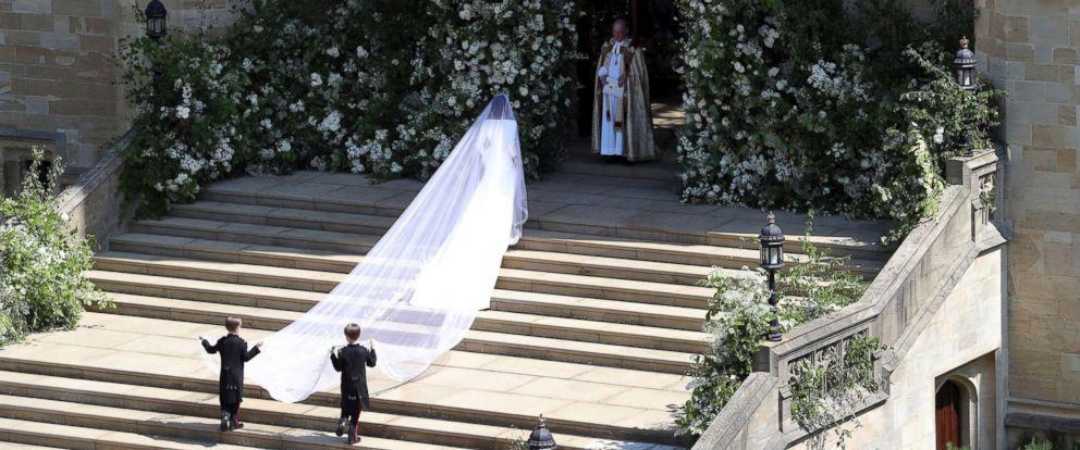 Royal Wedding Dress Meghan Markle.Royal Wedding 2018 All About Meghan Markle S Wedding Dress Abc News